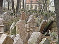 Prague - Old Jewish Cemetery Nov2004-2.jpg