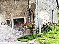 Puits ancien, dans le village.jpg