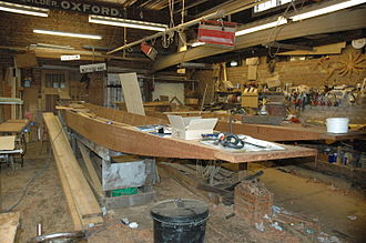 Punt (boat) - The Cherwell Boathouse, a punt builder's workshop in Oxford established in 1904