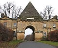 Pyramid Gate, Castle Howard - geograph.org.uk - 1134482.jpg