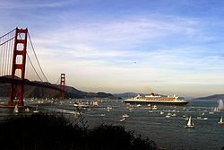 RMS Queen Mary 2 in san francisco bay.jpg