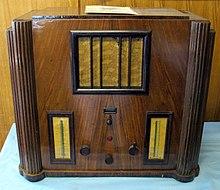 Modello di radio 428, di produzione Philips, 1936