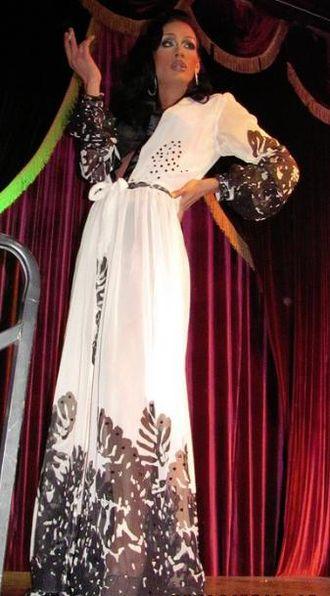Sutan Amrull - Raja Gemini performing in 2011