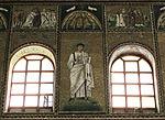 Ravenna, sant'apollinare nuovo, int., santi e profeti, epoca di teodorico 21.JPG