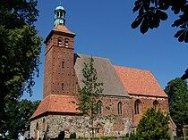 Reinkenhagen, Dorfkirche, von der Straße aus (2008-08-01).JPG