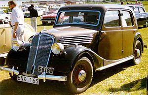 Renault Primaquatre - Image: Renault Primaquatre Berline 1936