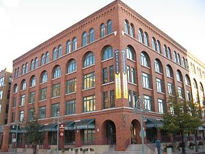 Historic Third Ward, Milwaukee - Image: Renovated warehouse, Milwaukee