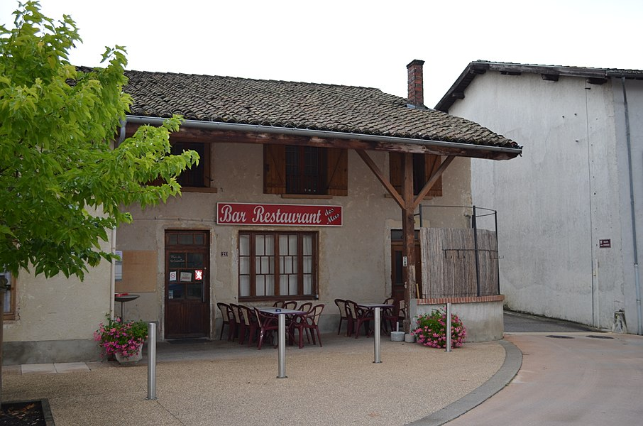 Restaurant à Villette-sur-Ain.