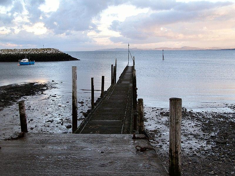 File:Rhos-on-Sea Jetty - geograph.org.uk - 1724731.jpg