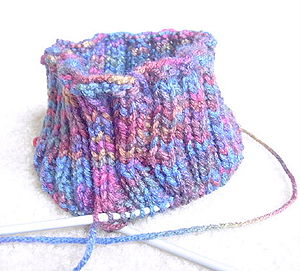 Hand knitting - Circular knitting on a circular needle