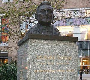 Richard Tucker - Richard Tucker monument in Lincoln Square