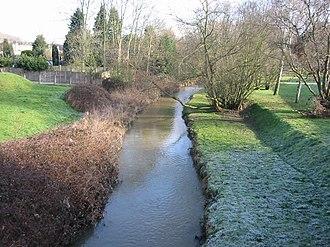 River Ingrebourne - Looking north from the bridge on Berkeley Drive