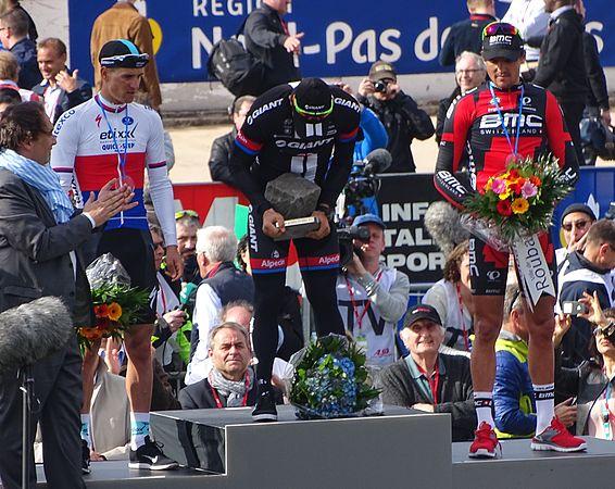 Roubaix - Paris-Roubaix, 12 avril 2015, arrivée (B32).JPG