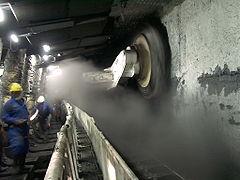 Lavoro in una miniera moderna