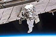 STS132 Garrett Reisman EVA1 2