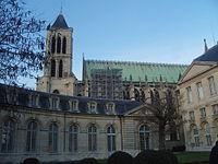 Saint-Denis - Basilique - Vue de la maison d'éducation de la Légion d'honneur.JPG