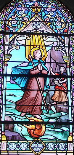 Saint-Germain arrivant à Diélette Vitrail Eglise Saint-Germain de Flamanville ERNOUF Annie.JPG