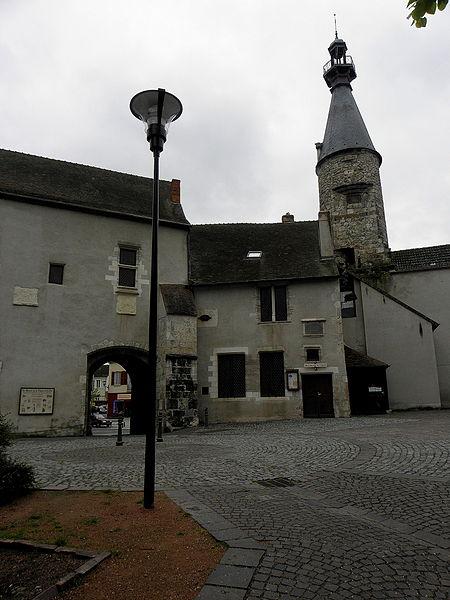 Beffroi de Saint-Pourçain-sur-Sioule (03).