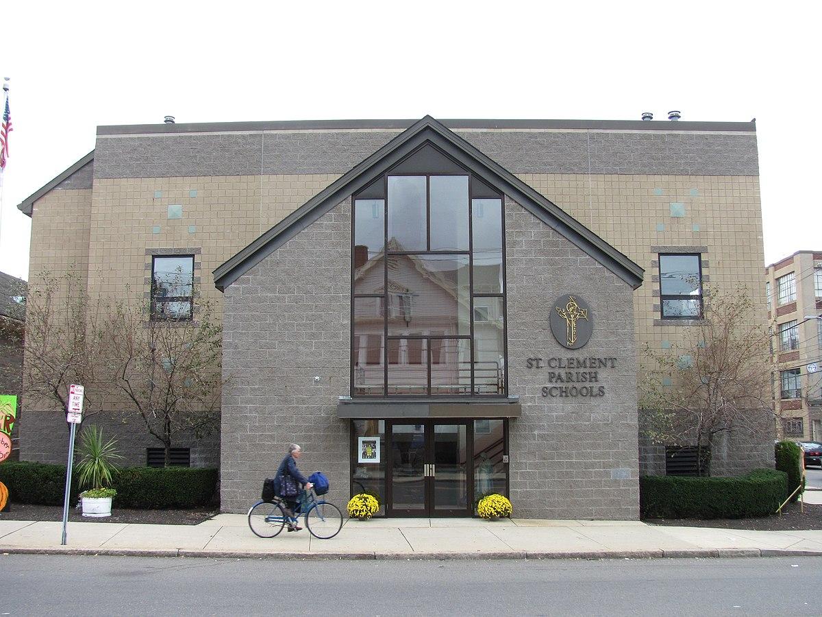 Saint clement high school wikipedia for Comfaience saint clement