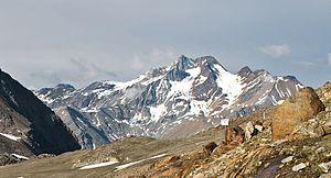 Lagaunspitze - Saldurkamm with the two peaks Lagaunspitze (left) and Saldurspitze (right)