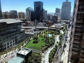 Transbay Transit Center - The transit center, rooftop park and bus bridge, seen from Salesforce Tower