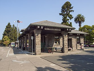 Santa Rosa–Railroad Square station - The station from another angle