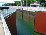 Sault Canal lock closing 3.JPG