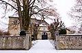 Schloss Adelmannsfelden, Eingang.jpg