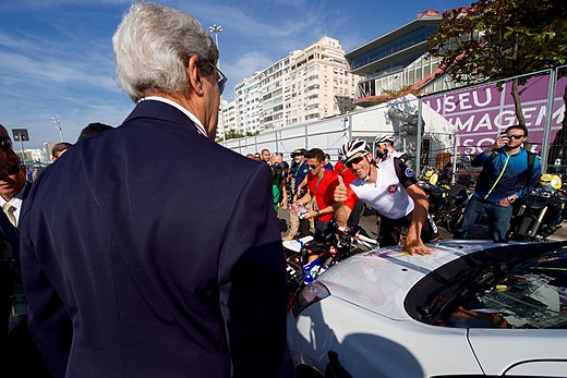 Secretary Kerry Gets a Thumbs Up From Swiss Cyclist Fabian Cancellara (28772465906).jpg