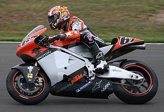 Shane Byrne (motorcyclist) - Shakey riding a Proton KTM at the 2005 British Grand Prix
