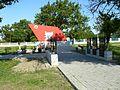 Shubine II-WW monument 04.jpg