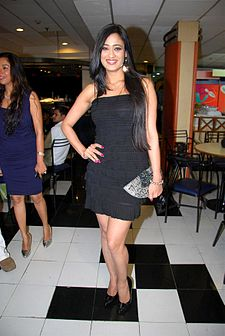 Shweta tiwary 100 episode celebration.jpg