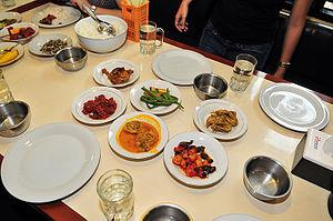 English: Simpang Raya food Bahasa Indonesia: M...