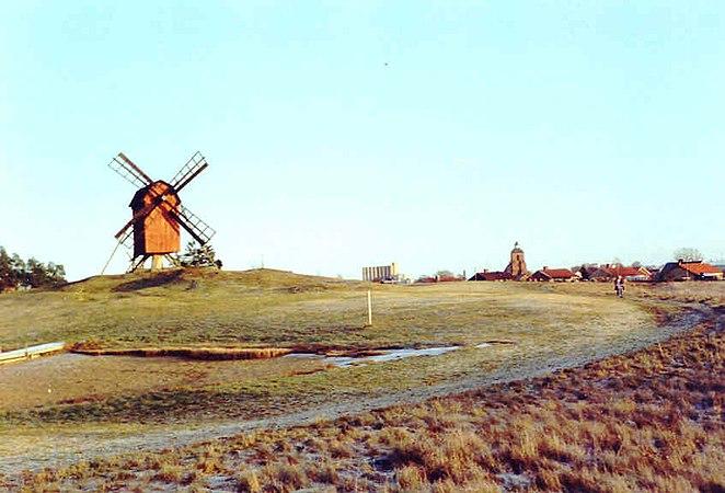 Fil:Ruinerna av Allhelgonakyrkan i Sknninge - Wikipedia