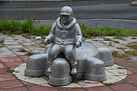 Skulptur i aluminium vid Blackebergs centrum.JPG
