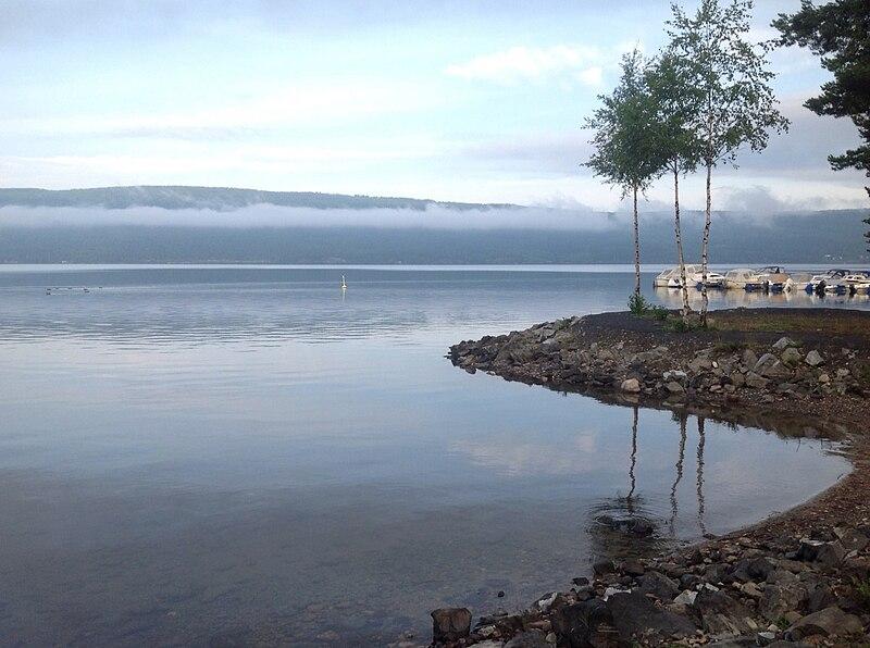 File:Slovika Campsite, Norway (14659300787).jpg