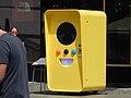 Snapchat Vending machine in Berlin in June 2017 09.jpg
