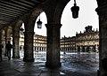 Soportales de la plaza mayor de Salamanca.jpg