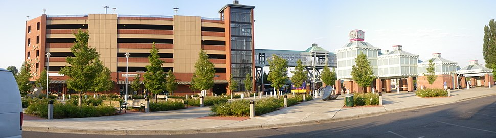 Auburn (Sounder station) located downtown is a major hub for the Green River Valley, also home to the Auburn International Farmers Market which is held on Sundays.