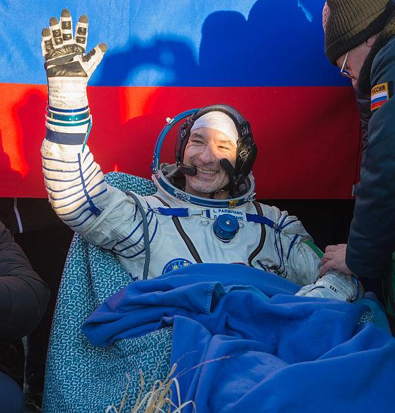 File:Soyuz TMA-09M Luca Parmitano shortly after landing.jpg