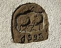 Spolien Grenzstein, bezeichnet 1727 und 1949 - 1.JPG