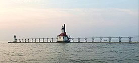 St.Joseph PierLightHouse.jpg