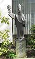 St. Norbert vor dem Gemeinde haus.JPG