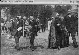 Bonaventura Cerretti - Cardinal Cerretti (in robe) with Queensland Premier William McCormack, about to place a wreath at Toowong Cemetery, Brisbane, 17 September 1928