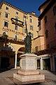 Statua piazza Erbe.jpg