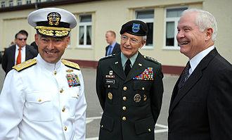 Bantz J. Craddock - Craddock with U.S. Defense Secretary Robert Gates in June 2009.