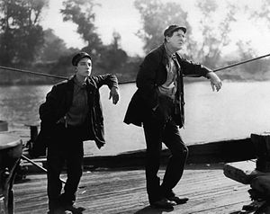 English: Buster Keaton & Ernest Torrence in St...