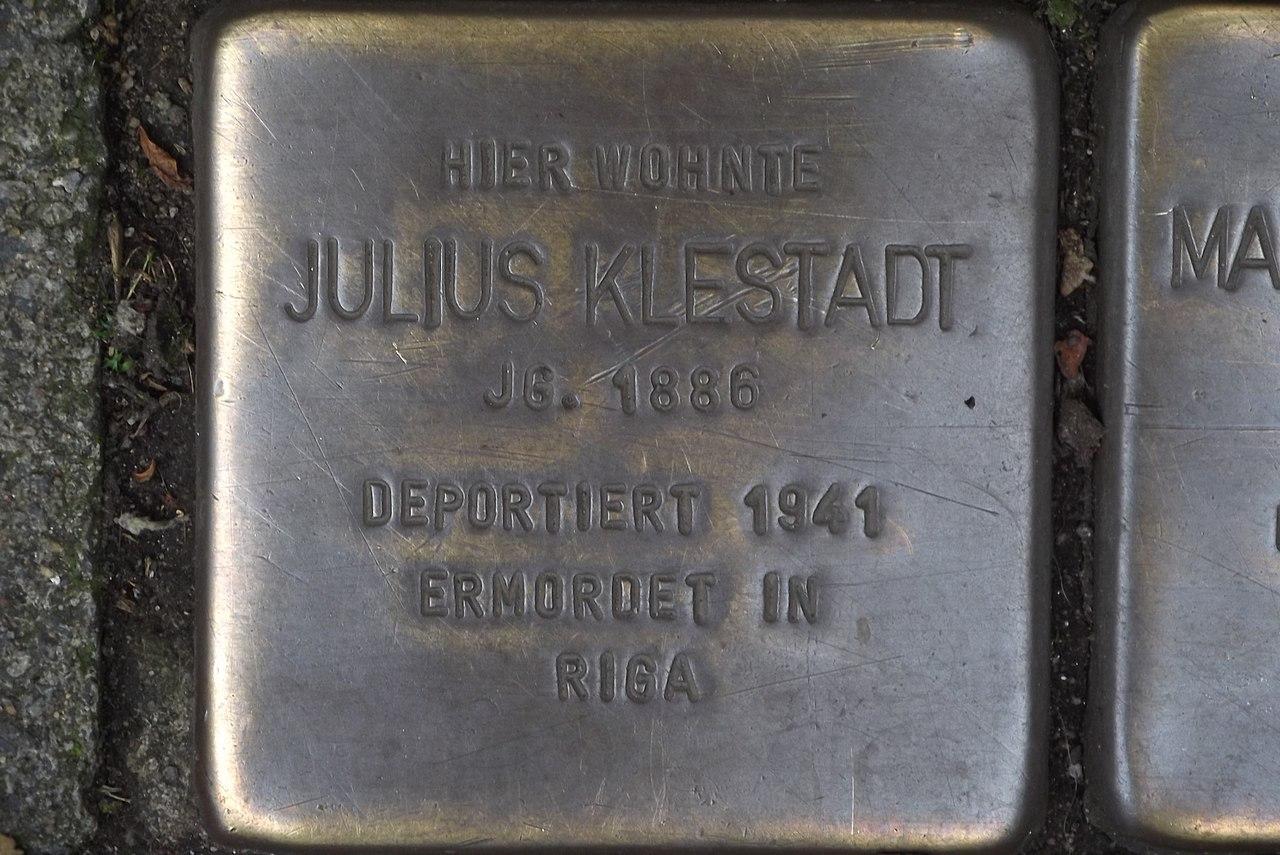 Stolperstein Duisburg 500 Altstadt Mainstraße 50 Julius Klestadt.jpg