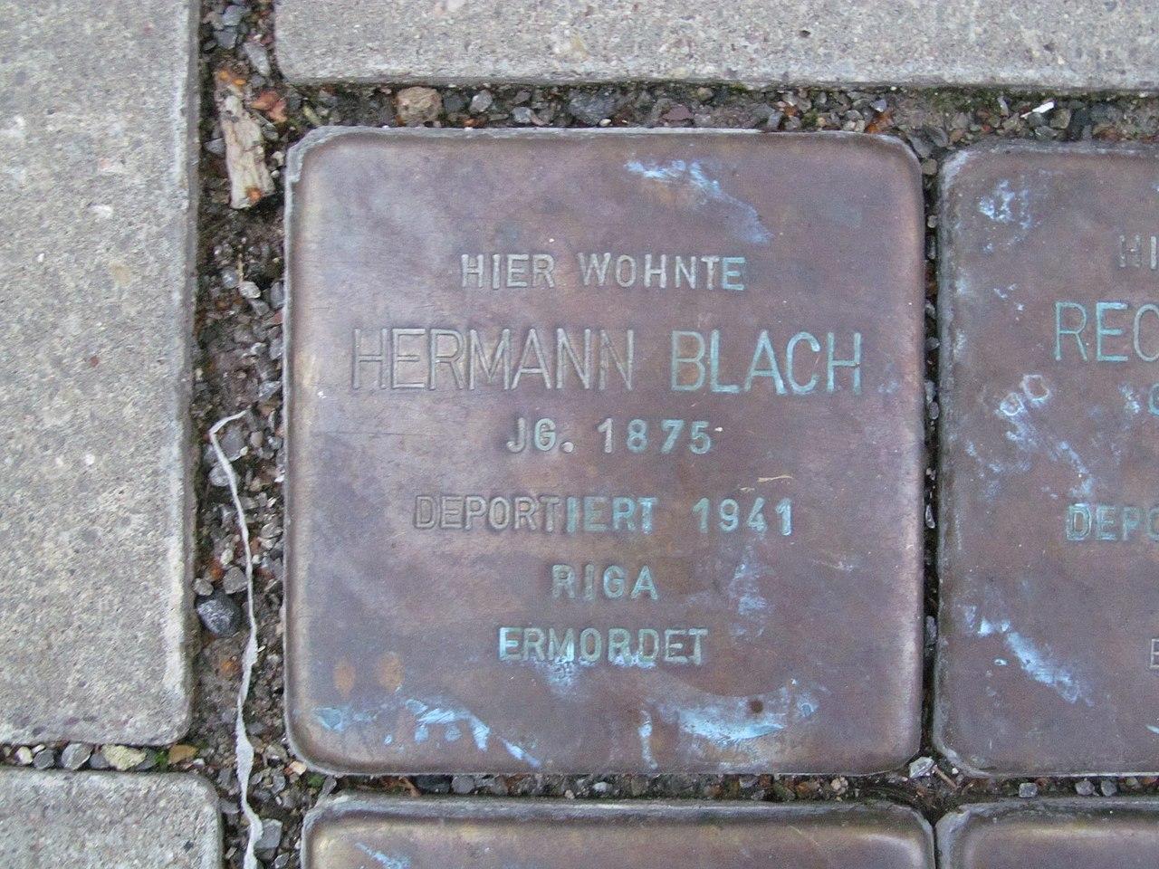 der Stolperstein für Hermann Blach