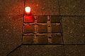 Stolpersteine mit Kerze 20140815 5.jpg